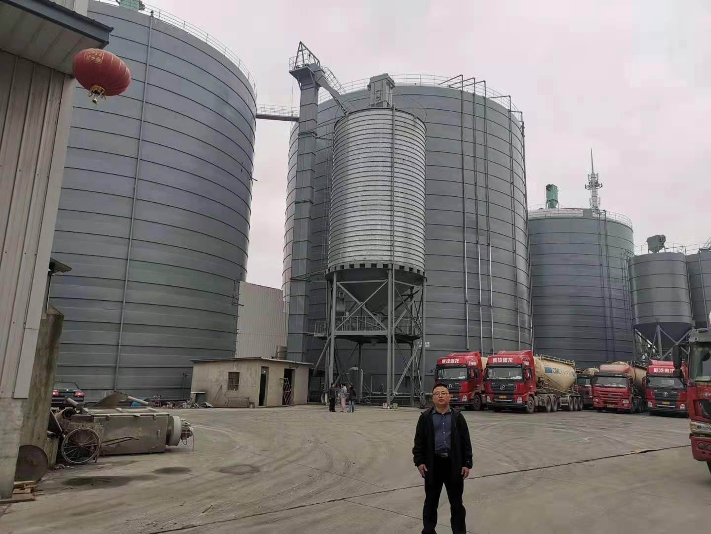 上海宝山三座2万吨落地式平底板焊接式粉煤灰储存钢板库